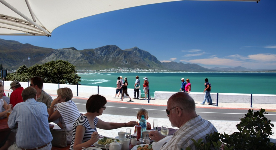Hermanus Beachfront Accommodation and Restaurant