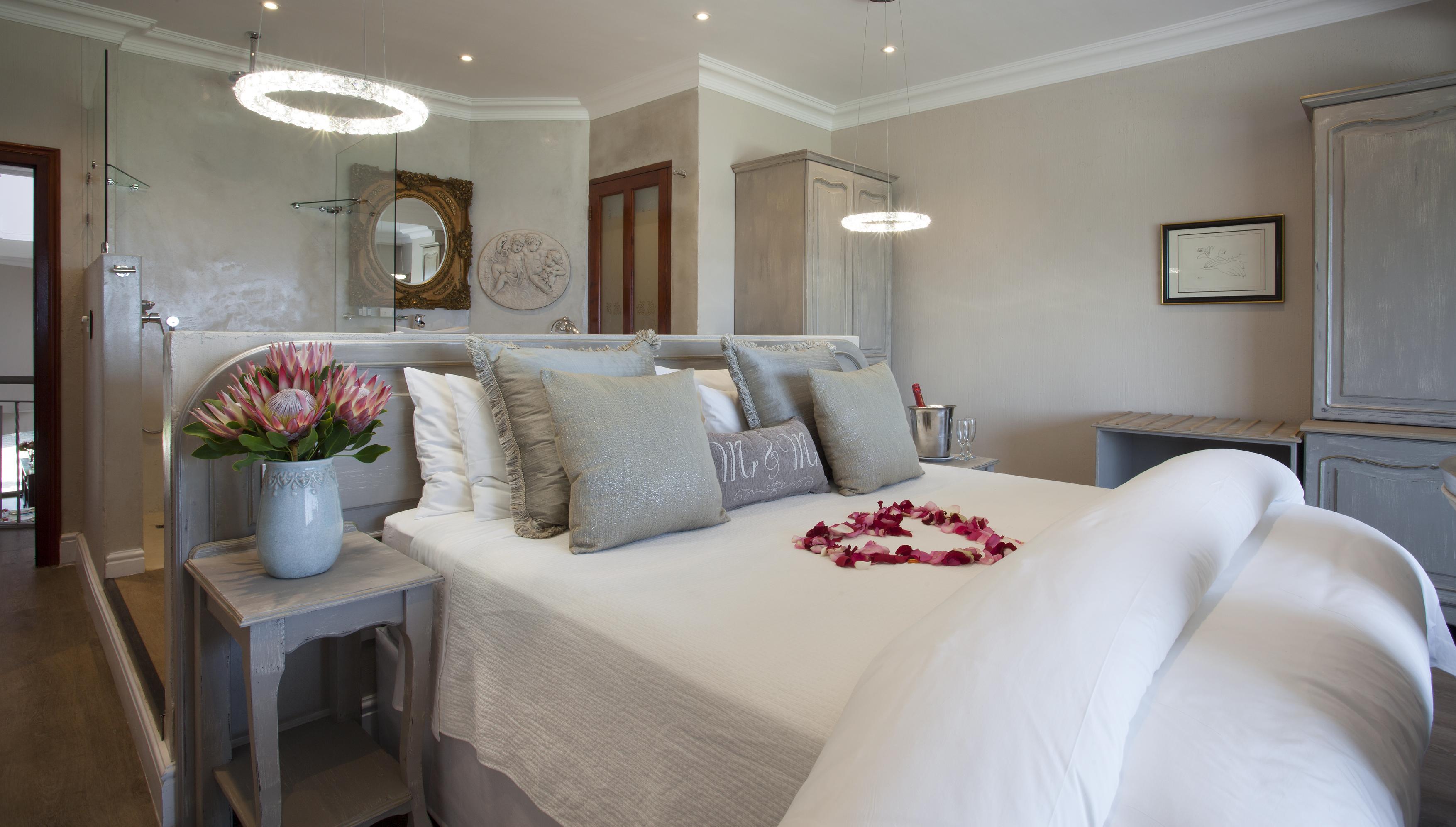 Hermanus guest house luxury accommodation in hermanus for Guest house harbiye